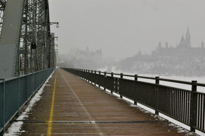 Ottawa, Alexandra bridge, Quebec border, Canada, Boredom